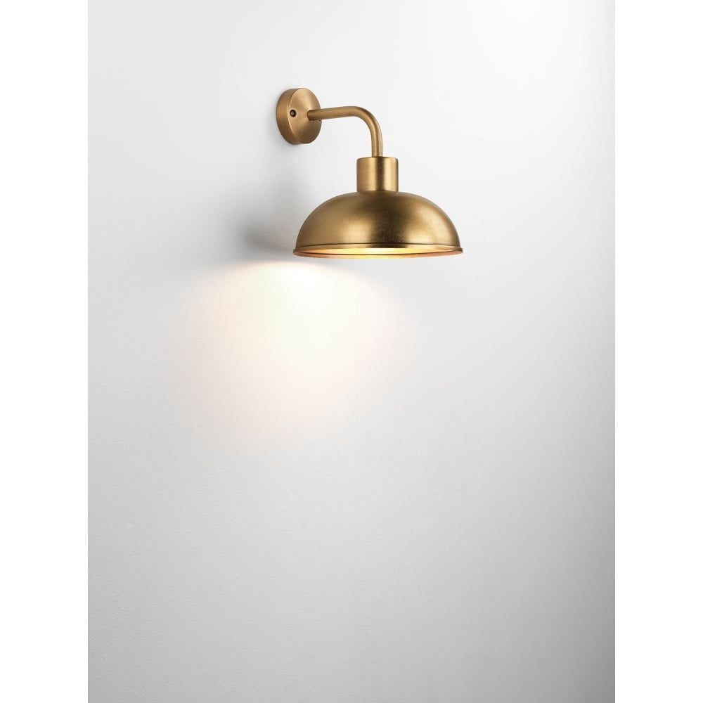 Stornoway Single Light Outdoor Wall Fitting In Antique Brass Finish