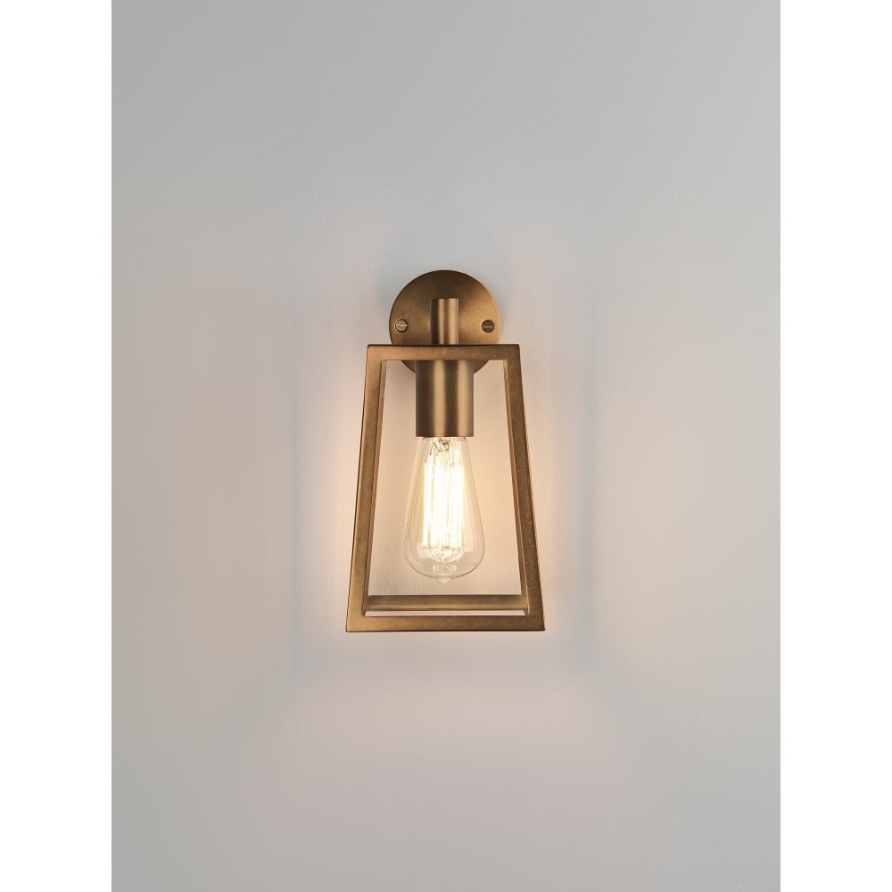 Calvi Single Light Outdoor Wall Fitting In Antique Brass Finish
