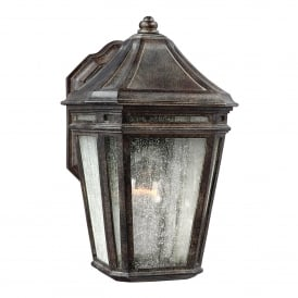 FE/LONDONTOWNE Londontowne Single Light Wall Lantern in Weathered Chestnut Finish with Seeded Glass