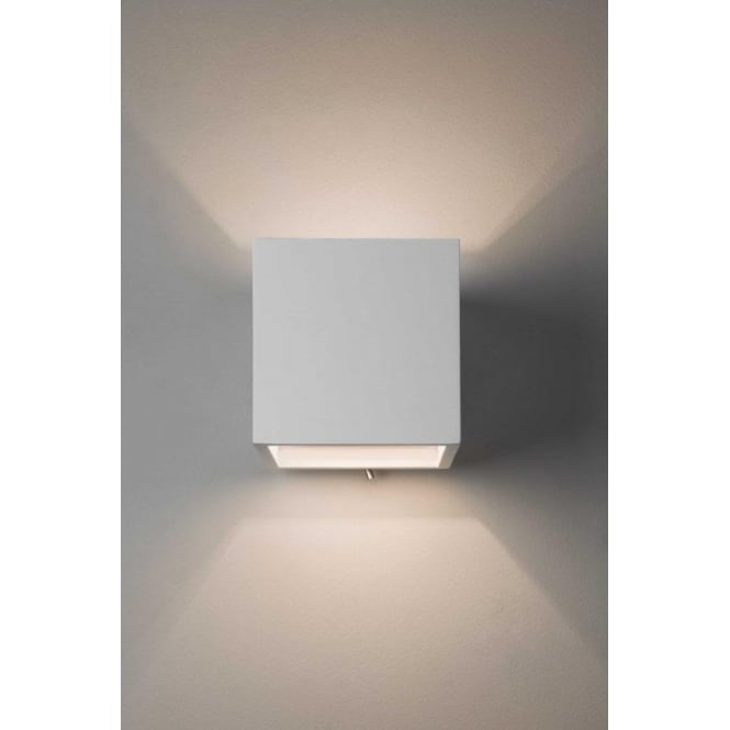 Astro Lighting Pienza 140 Switched Single Light Ceramic Wall Fitting In White Finish